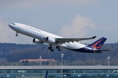 Brussels Airlines Airbus A330-300 OO-SFV 00 Takeoff Rwy 28