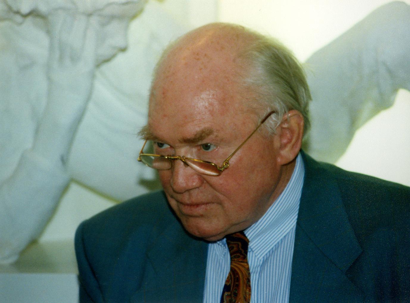 Buchmesse Vor 20 Jahren Dr Julius Hackethal 19211997 Foto