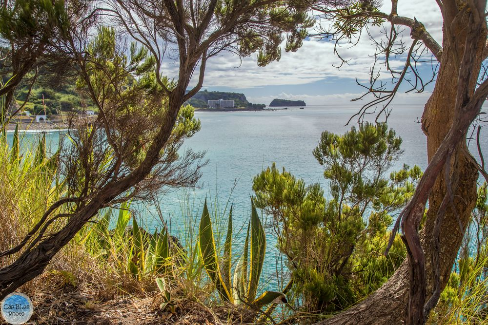 Bucht Prainha mit Blick auf Hotel Pestana Baia Praia Beach Resort