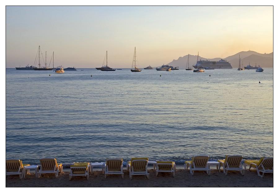 Bucht von Cannes mit der AIDA