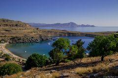 Bucht von Lindos mit Bäumen