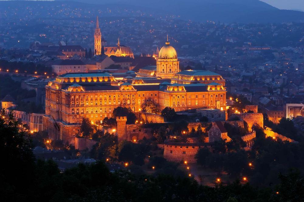 Budapester Burg in Abendstimmung