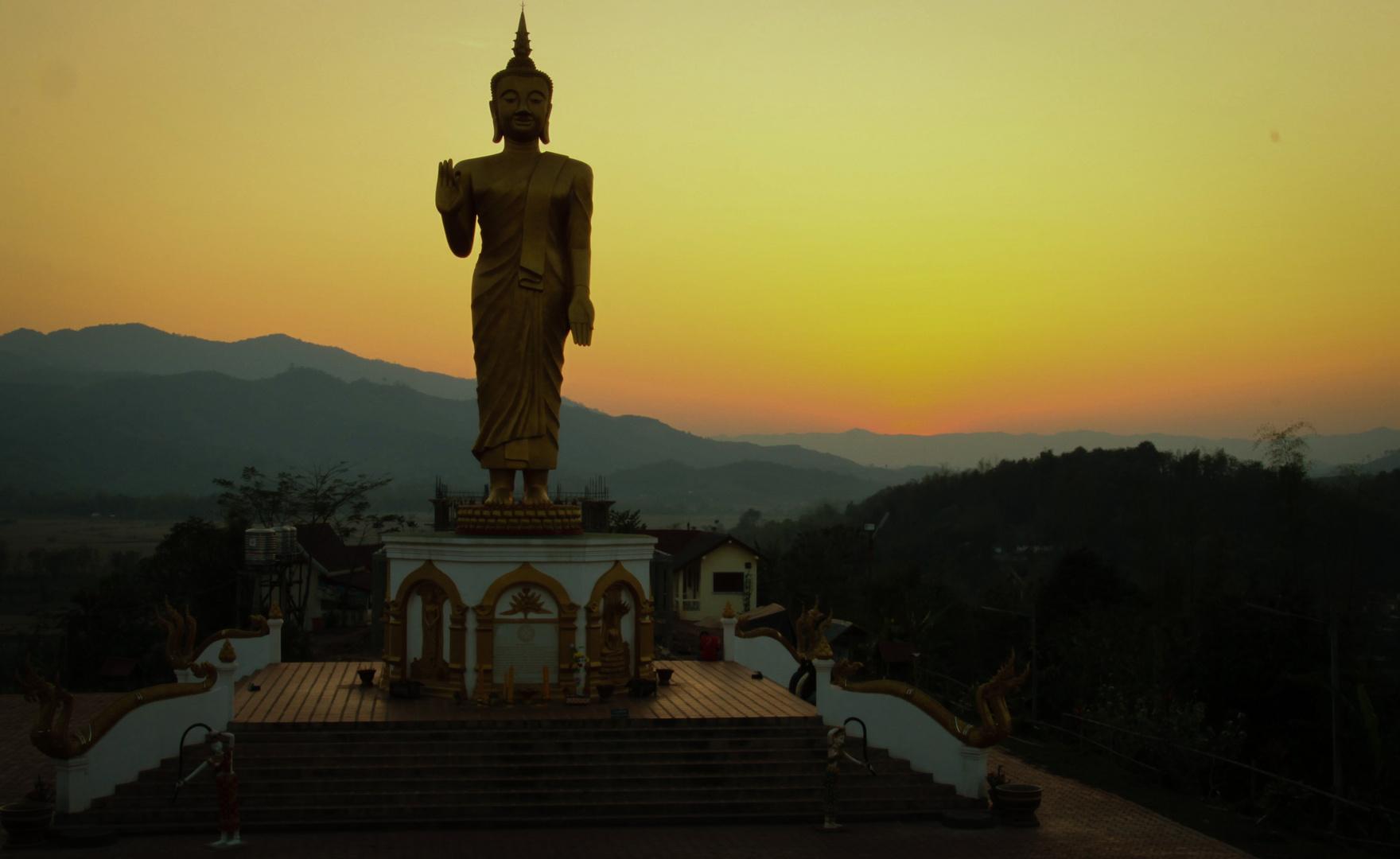 Buddah über Oudomxay