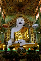 ...Buddha am Sagaing Hügel...