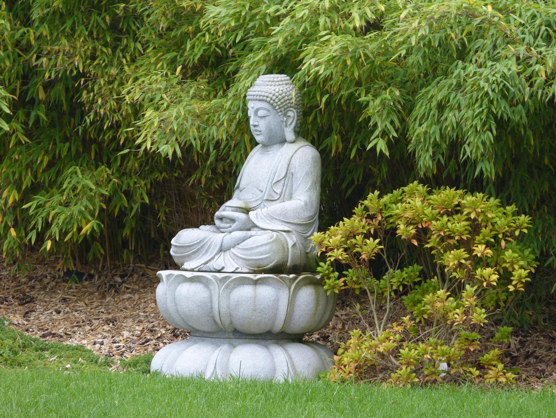 Buddha Im Garten Foto Bild Stillleben Figuren Und Miniaturen