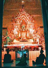 Buddha im Licht