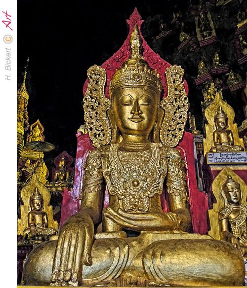 Buddha-Statuen in den Höhlen bei Pindaya