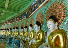 ...Buddhafiguren in der U Min Thonze Pagode...