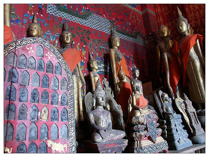Buddhas im Wat Xieng Thong - Luang Prabang, Laos
