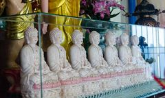 Buddhas in einem buddhistischem Tempel in Saigon
