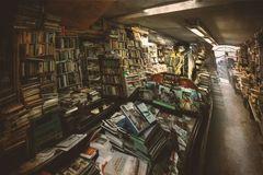 Bücher-Gondel