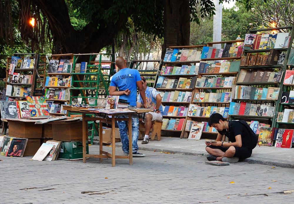 ..Bücherflohmarkt 2..