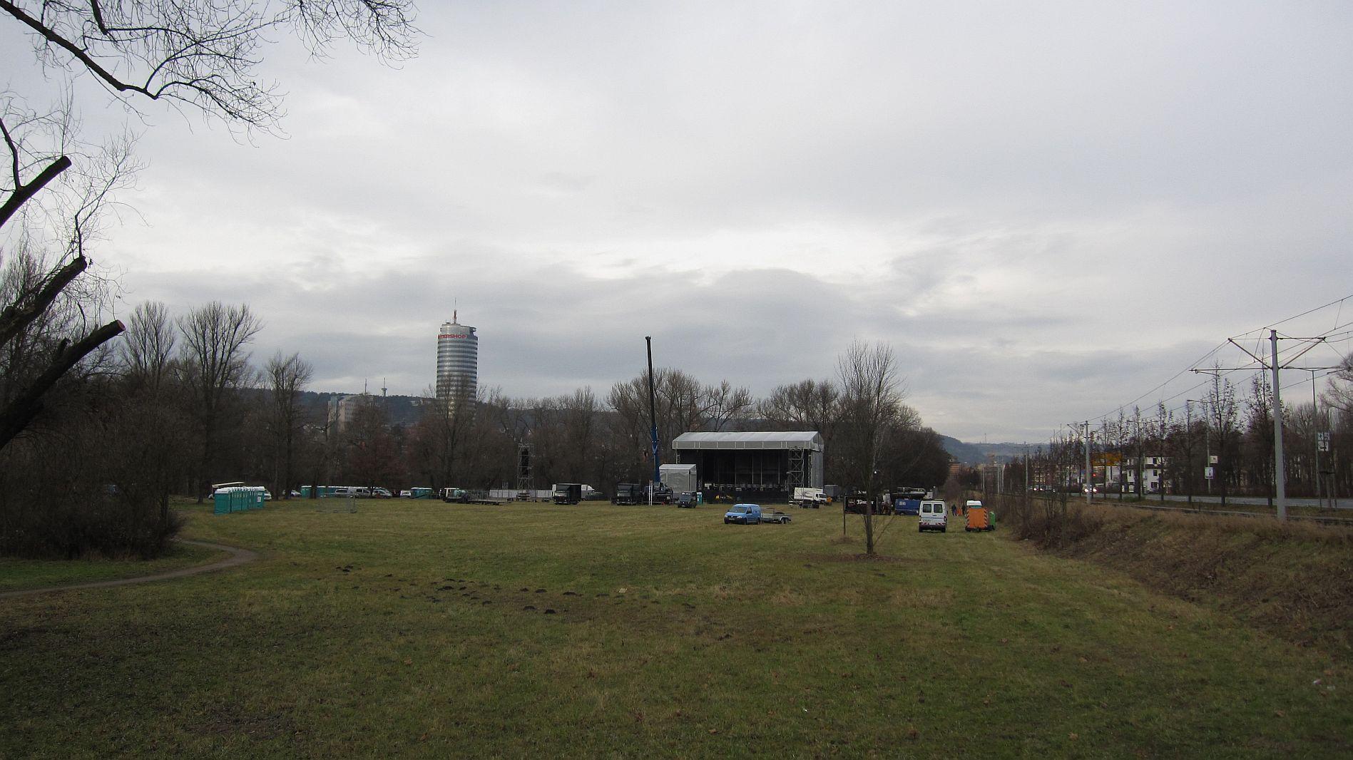 Bühne in Jenas Oberau für den 02.12.2011