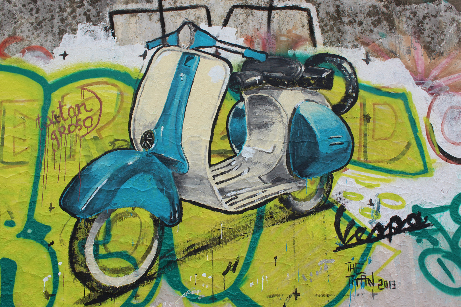 Buenos Aires Street Art - Vespa