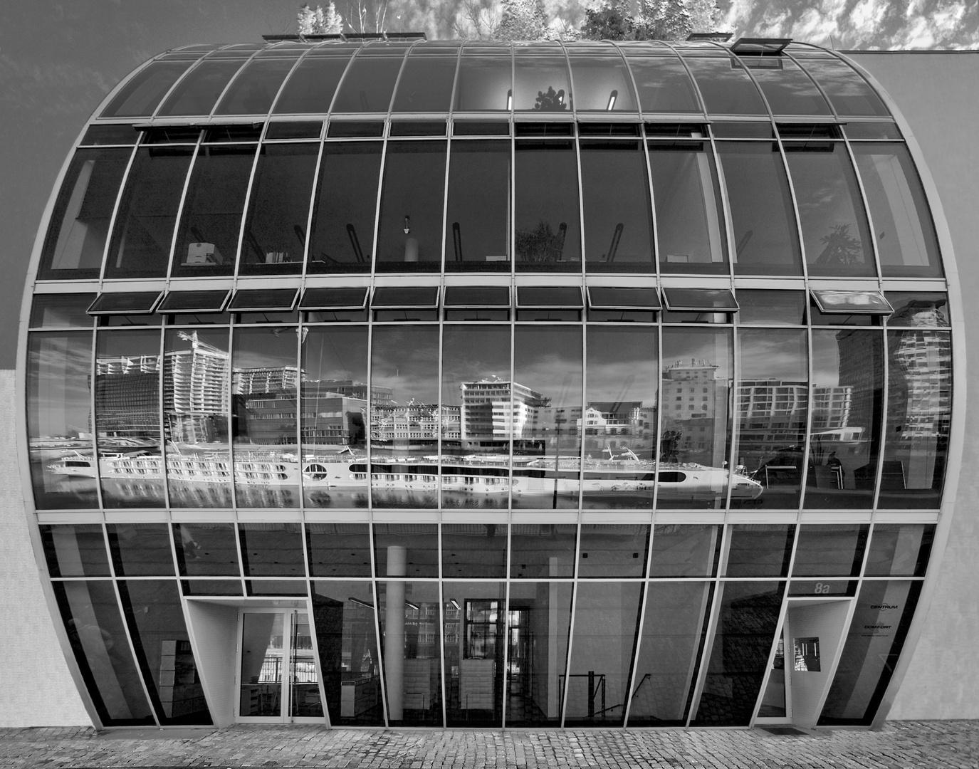 Bürohaus im Medienhafen Düsseldorf