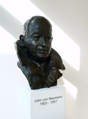 Büste John von Neumann