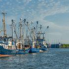 Büsum: Weiß und Blau im Hafen
