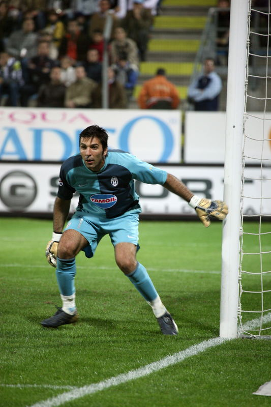 Buffon ( Juventus )