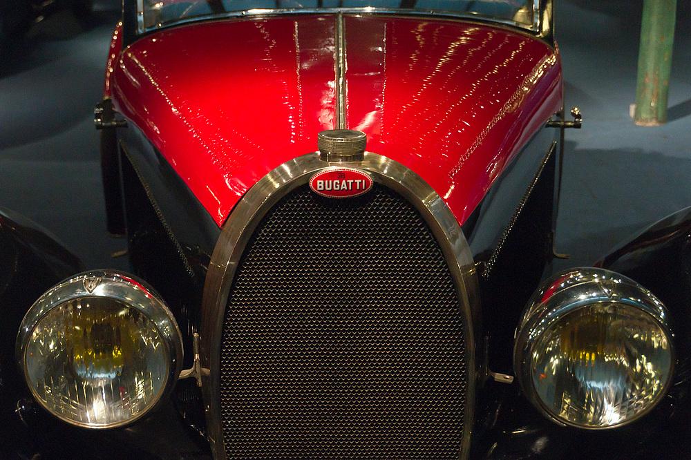 Bugatti rot