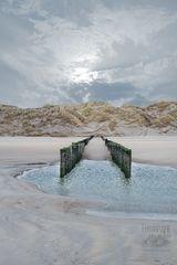 Buhnen am Strand von Renesse