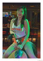 Bullriding Hooters girl