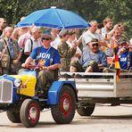 Bunte Ostalgie-Parade (1)