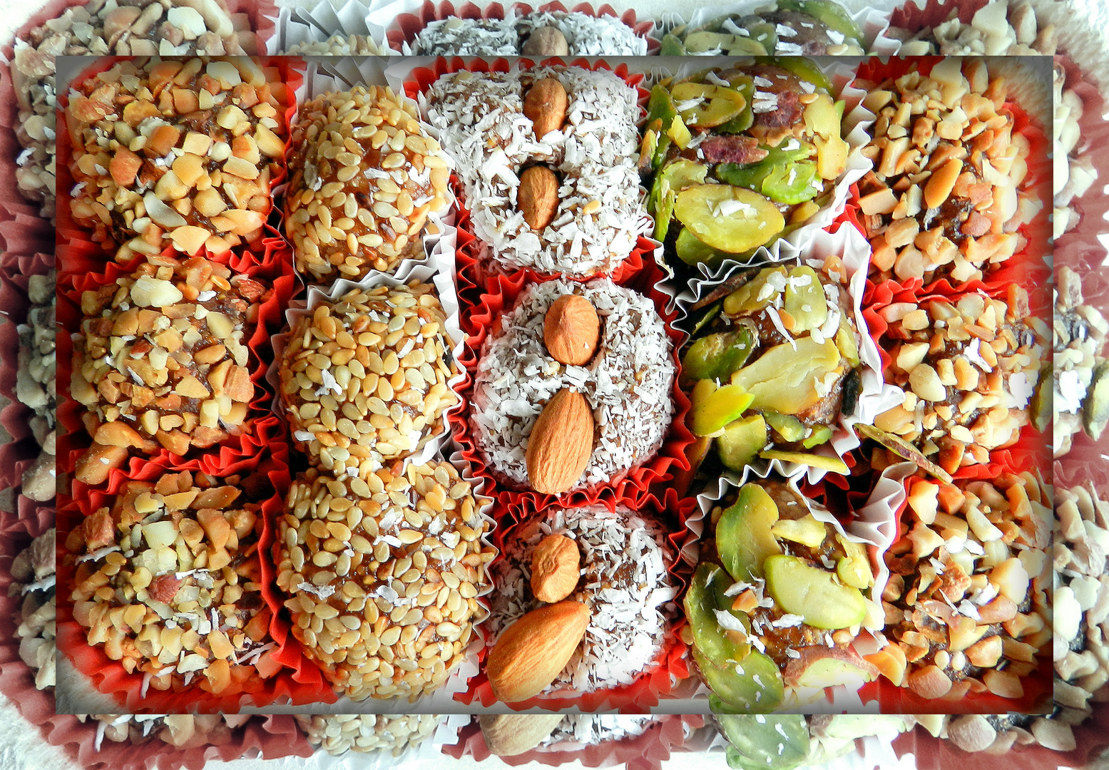 Bunte Pralinchen - ausgepackt, fotografiert und sofort aufgegessen