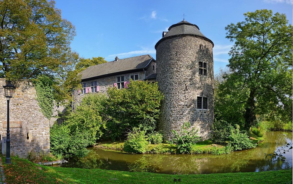 Burg 1