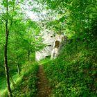 Burg Alt-Ratzenried im Frühling