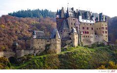 Burg Eltz an der Mosel im Herbst_01