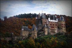 - Burg Eltz -