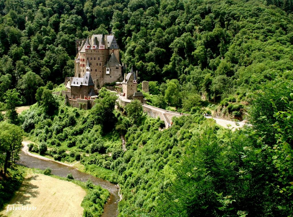Burg Eltz Duitsland www.fotovictoir.nl