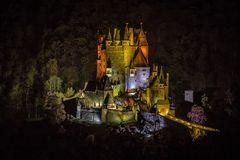 Burg Eltz - illuminiert (1)
