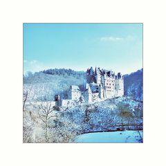 Burg Eltz im Puderzucker-Look