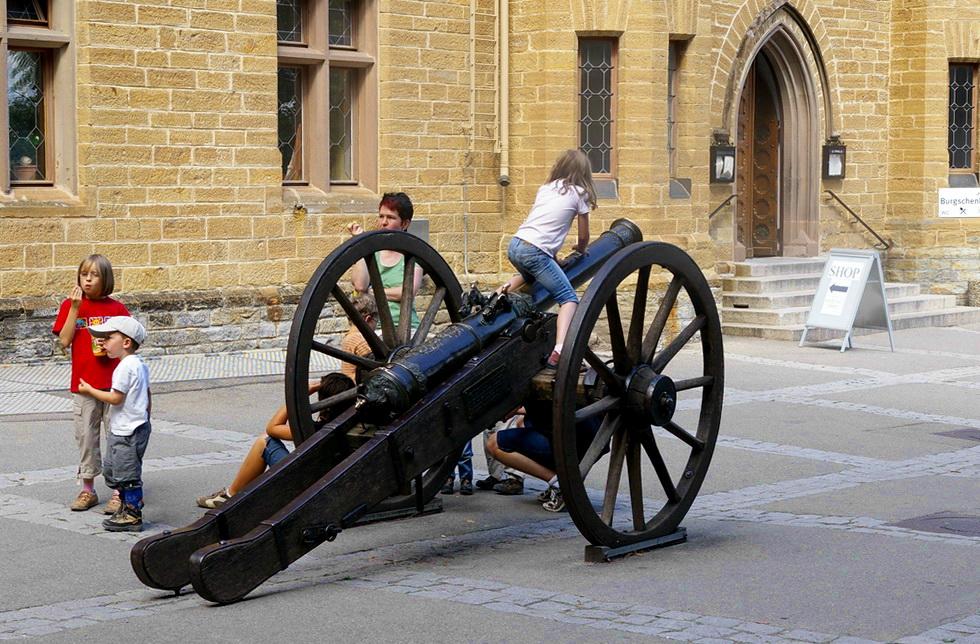 Burg Hohenzollern; die Kanone