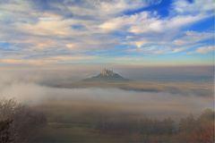 Burg Hohenzollern mit Nebel