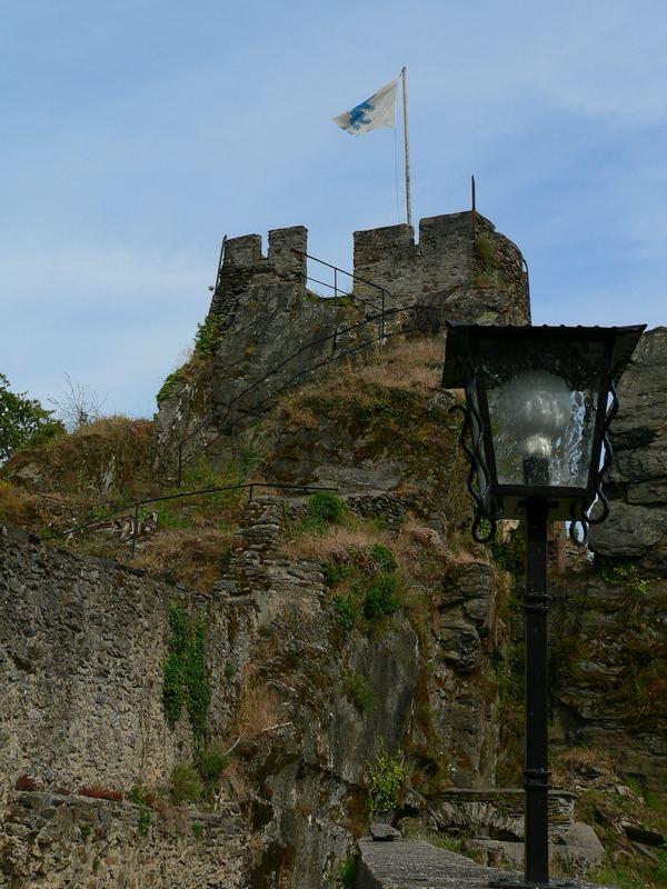 Burg kaputt, Wetter geil 1