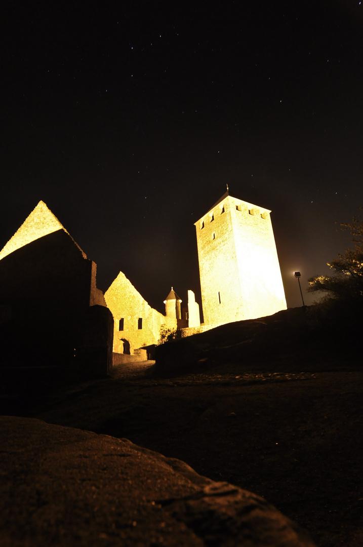 Burg Lichtenberg mit Licht und Sternen