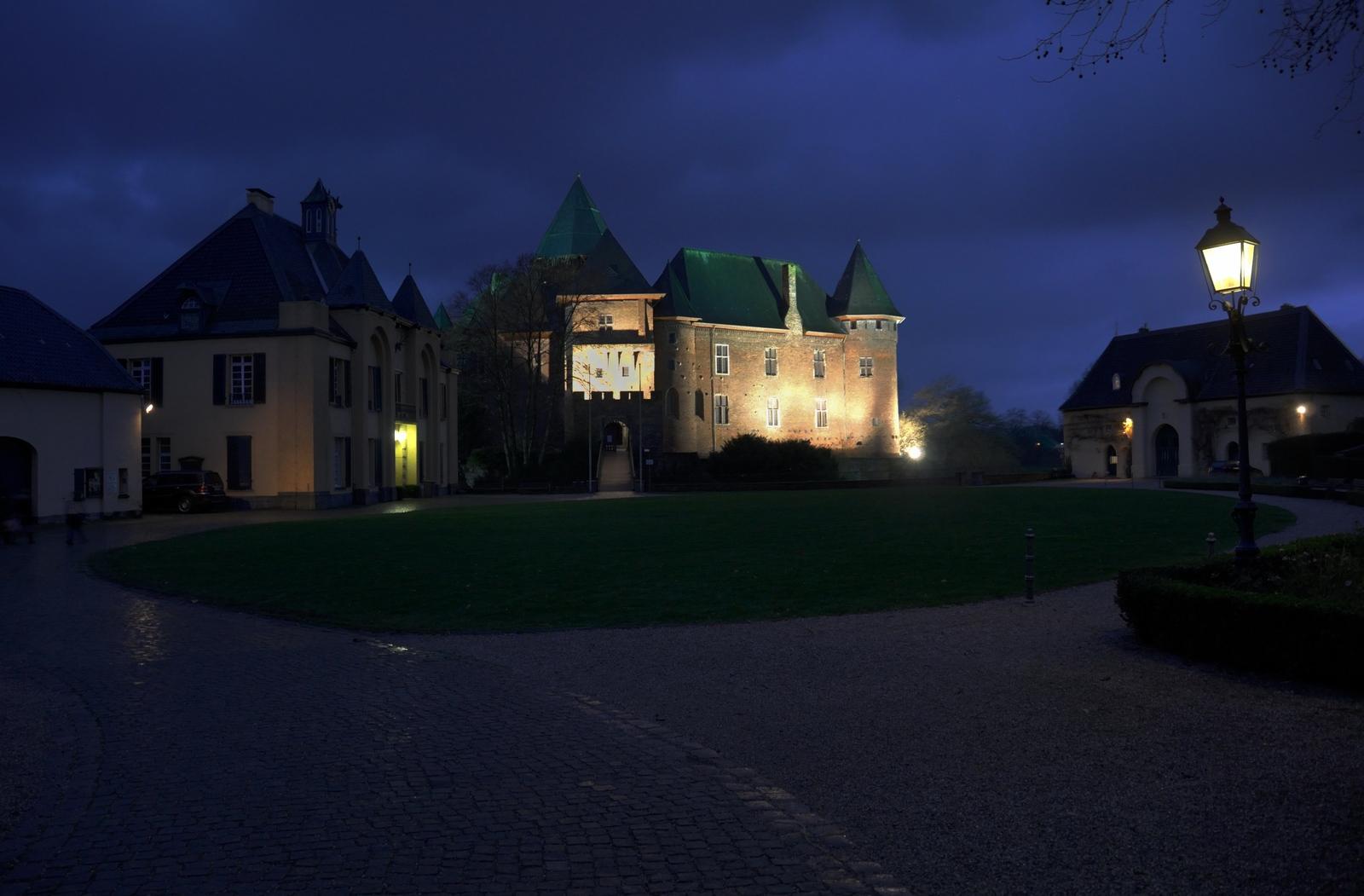 Burg Linn in Krefeld - 1