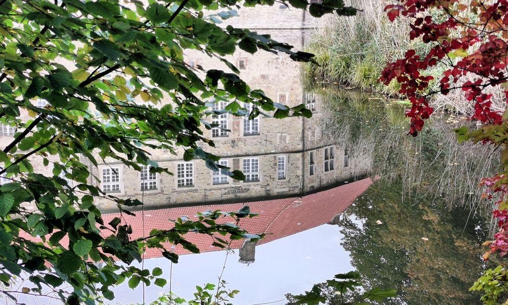 Burg Lüdinghausen im  Herbst