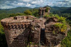 Burg Neudahn Grafendahn Tanstein mit mächtigem Mauerwerk