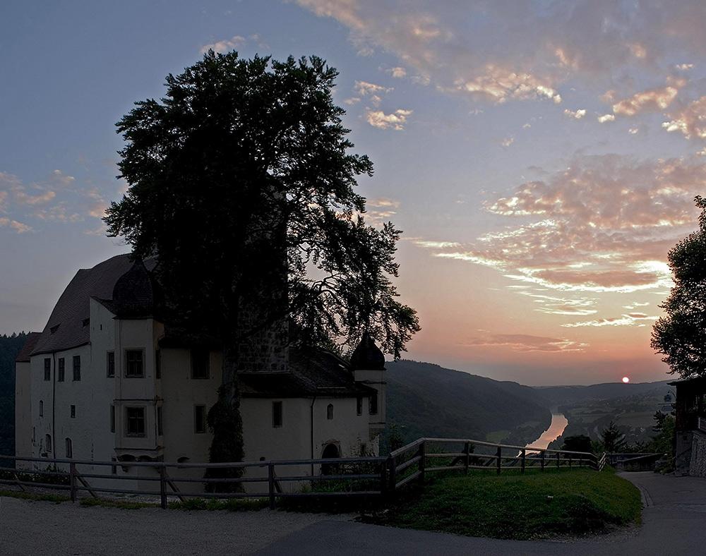 Burg Prunn im Abendlicht !!