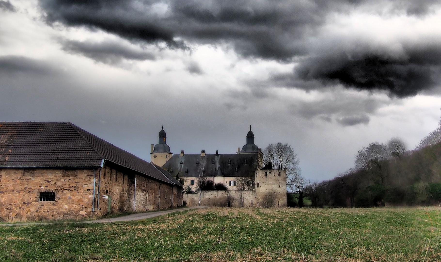 Burg Veynau In der Eifel ...