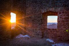 Burgenwelt im Sonnenflash