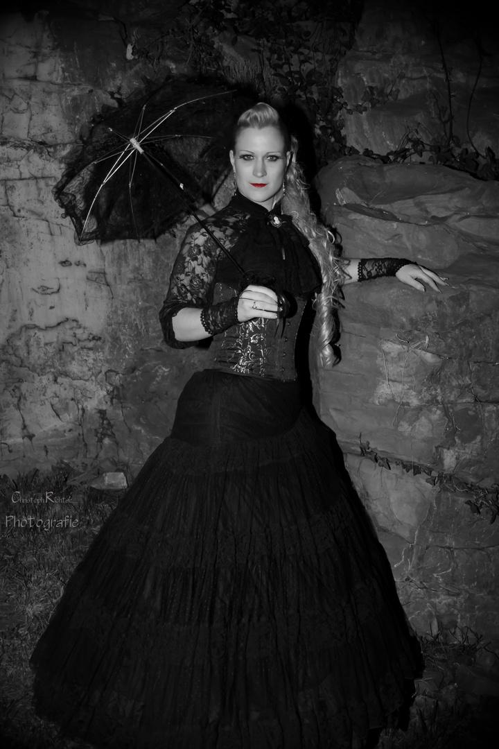 Burgfräulein-Shooting: S/W/Eff Princess in Black