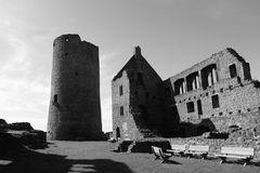 Burgfrieden ...