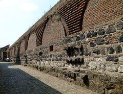 Burgmauer von Zons/ Rhein