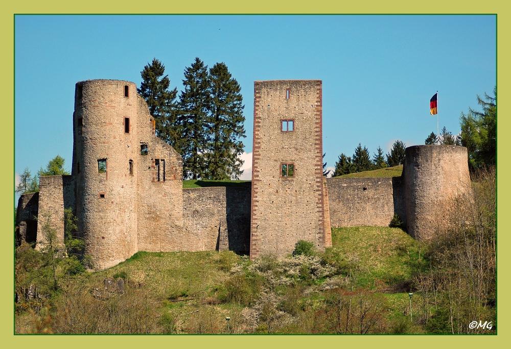 Burgruine Schönecken in der Eifel...