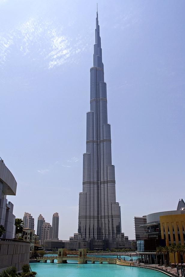 burj khalifa ist noch das gr te geb ude der welt foto bild architektur hochh user. Black Bedroom Furniture Sets. Home Design Ideas