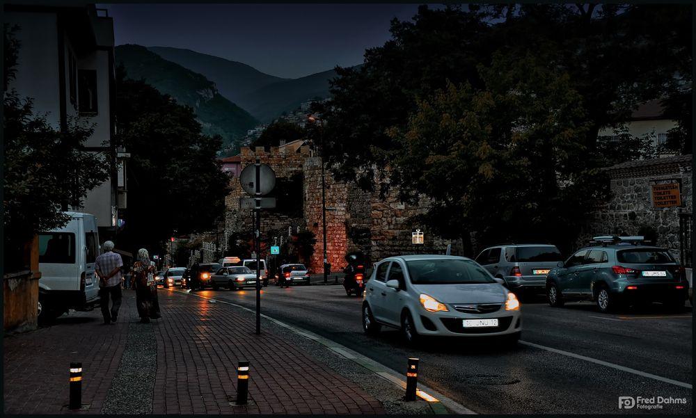Bursa Türkei, aktive Stadt am Abend